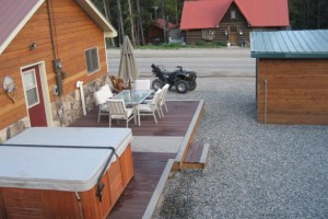 Grizzly Pad Cabins and Rental Home in Cooke City : Two rental cabins, sleep 4-5 with SAT-TV, full kitchens, BBQ & more. Plus, a Guest House sleeping 12. Access our outdoor hot tub, all just 3 miles to Park entrance.