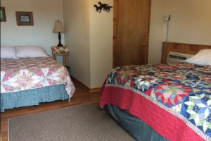 Riverside Guest Cabins - affordable motel rooms